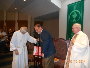WGK Lou Monteforte presenting Decon John with Gift. from Knight of Columbus